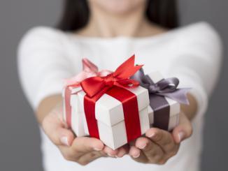 Что подарить свекру