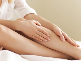 Эпиляция ног в домашних условиях